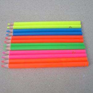 To af hver Filia neon farveblyant